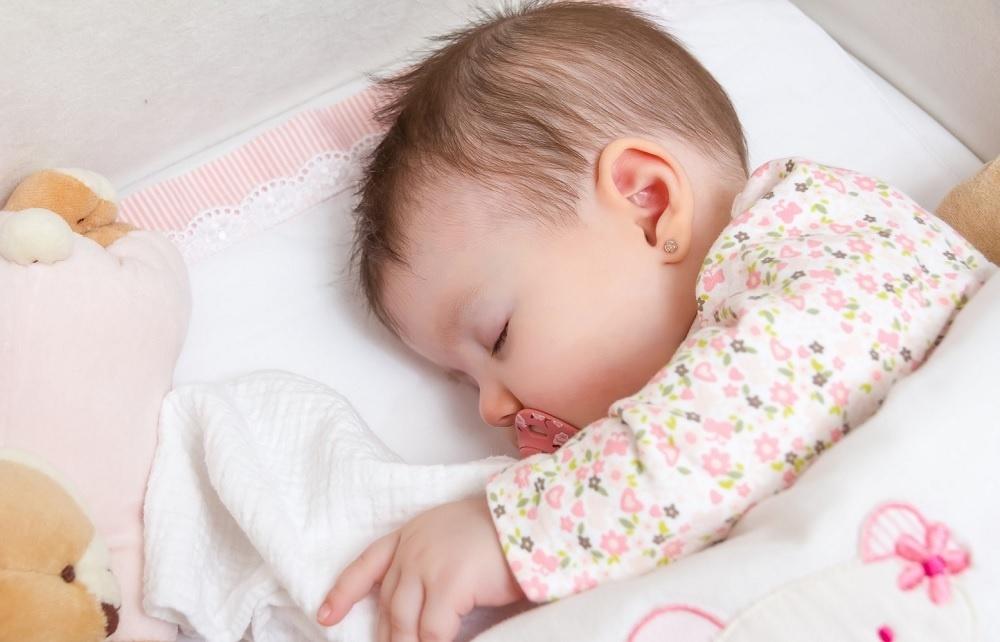 Snadné měření teploty vašeho dítěte i během spánku díky bezkontaktnímu způsobu měření teploty