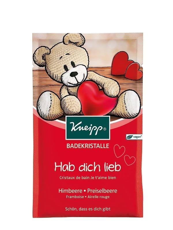 Dětská sůl do koupele Kneipp Miluji Tě! s brusinkovým olejem a přírodními výtažky z malin a rozmarýnu